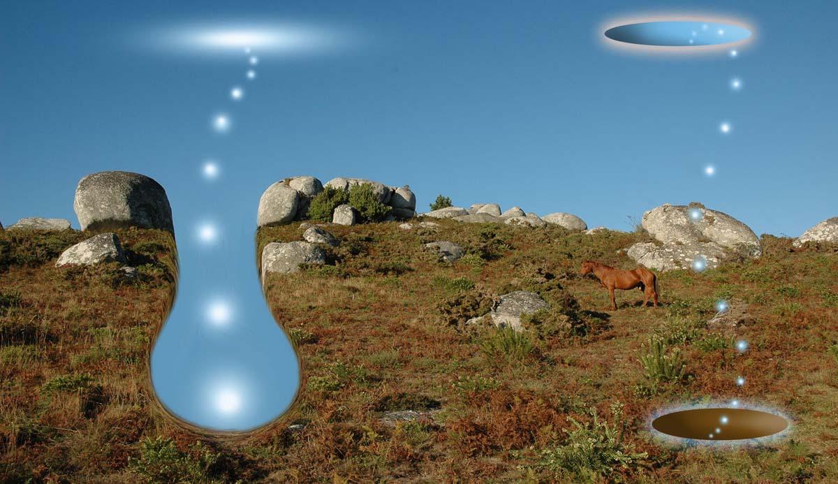 Tierra y cielo con caballo en Udra